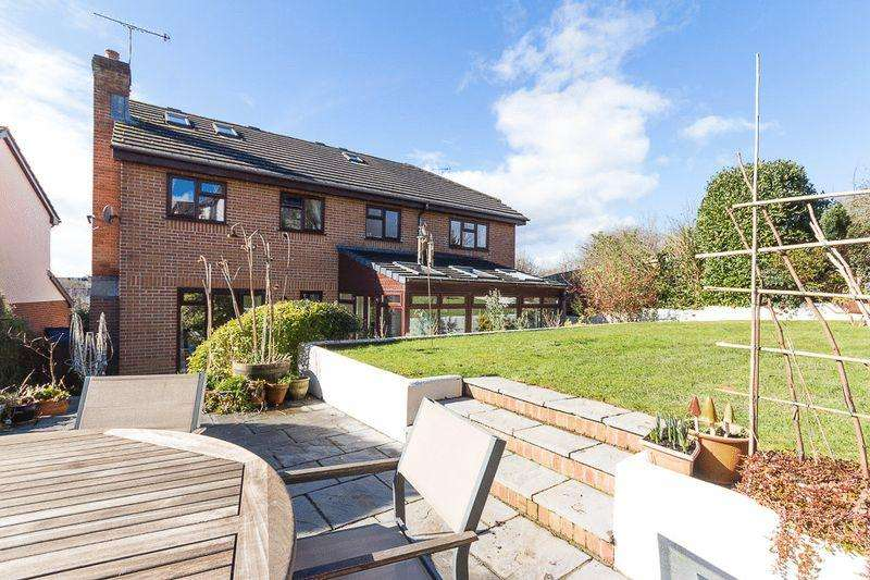 5 Bedrooms Detached House for sale in Church View, Chudleigh
