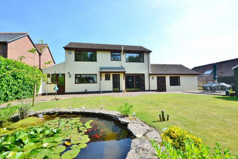 4 Bedrooms Detached House for sale in Stapehill