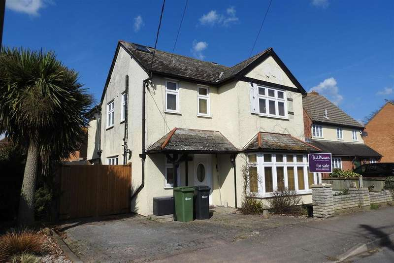 5 Bedrooms Detached House for sale in Nounsley Road, Hatfield Peverel, Chelmsford