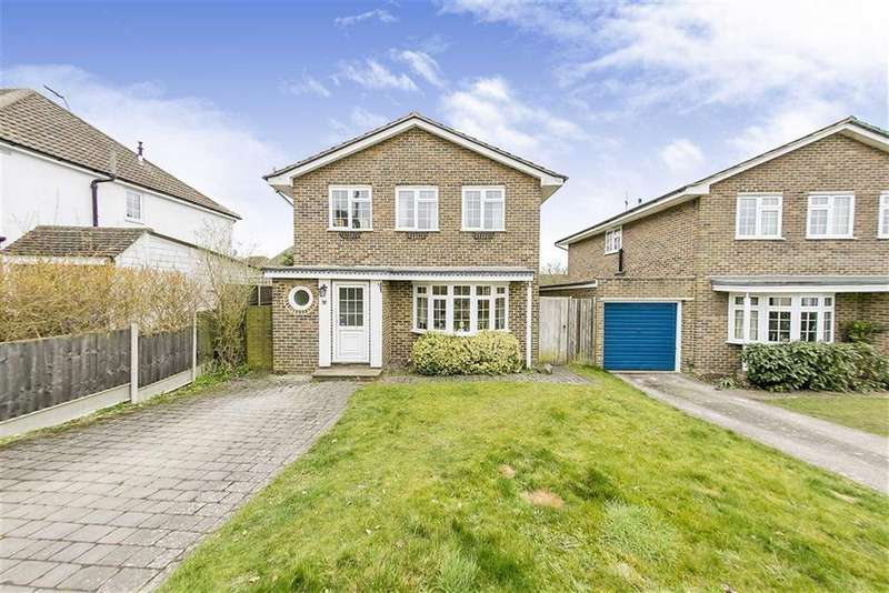 4 Bedrooms Detached House for sale in Beaconsfield Road, Langley Vale, Surrey