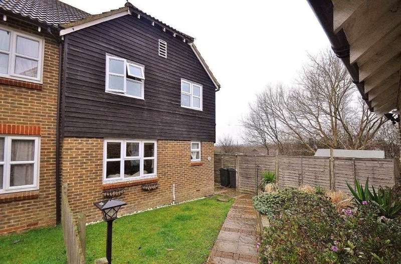 3 Bedrooms Semi Detached House for sale in Ashford TN23