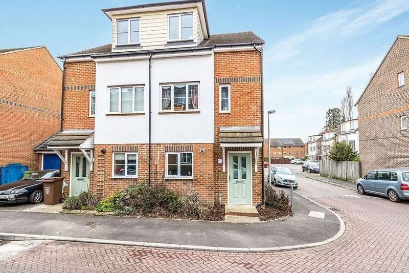 4 Bedrooms Semi Detached House for sale in Groombridge Drive, Gillingham, ME7
