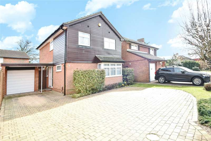 4 Bedrooms Detached House for sale in Isis Close, Ruislip, Middlesex, HA4