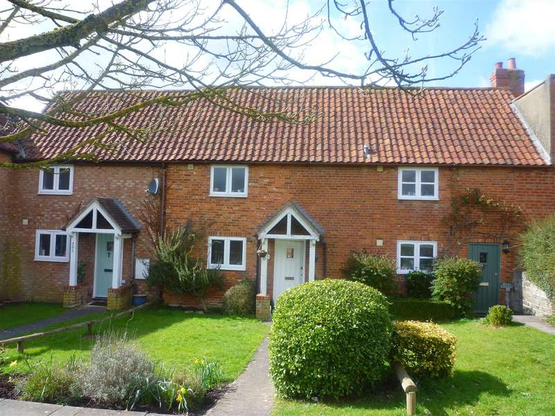 2 Bedrooms Cottage House for sale in Frome Road, Trowbridge