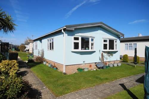 2 Bedrooms Park Home Mobile Home for sale in Selwood Park, Kinson, Dorset