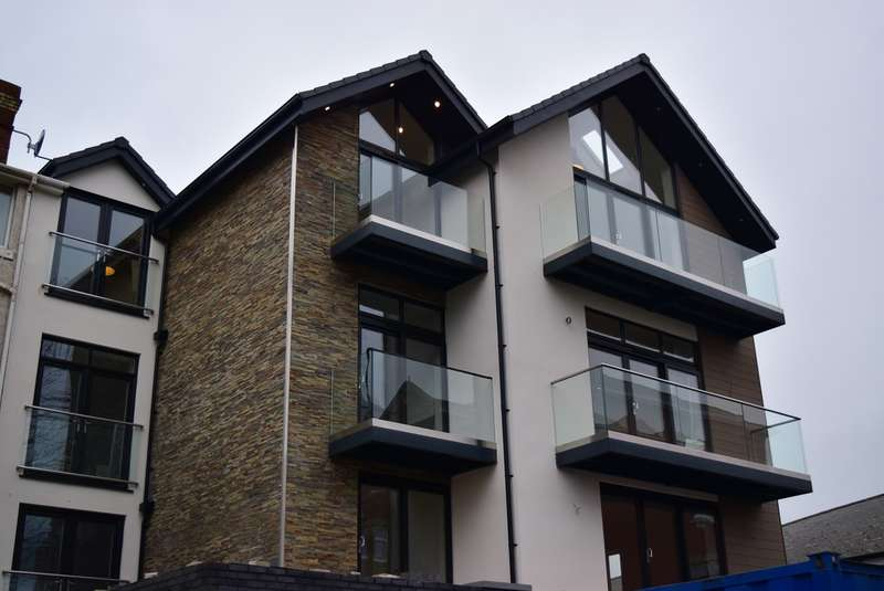 2 Bedrooms Apartment Flat for rent in St Andrews Road North, St. Annes, FY8
