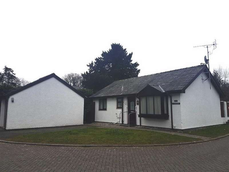 2 Bedrooms Detached Bungalow for sale in Maes Y Garth, Minffordd