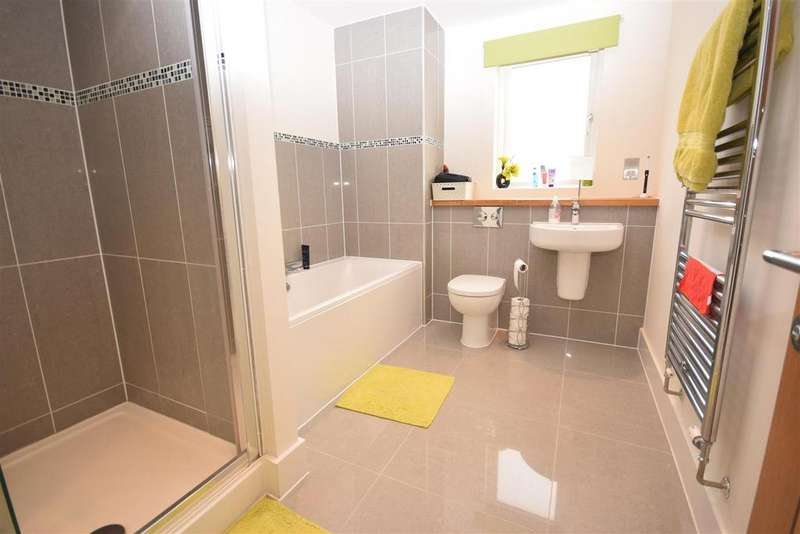 4 Bedrooms House for sale in Whitecroft Park, Newport