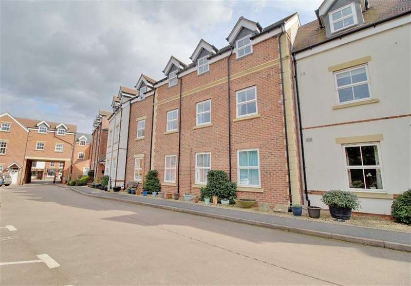 2 Bedrooms Retirement Property for sale in Stokes Mews, Newent, Gloucestershire