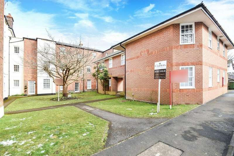 2 Bedrooms Flat for sale in ALRESFORD, Hampshire