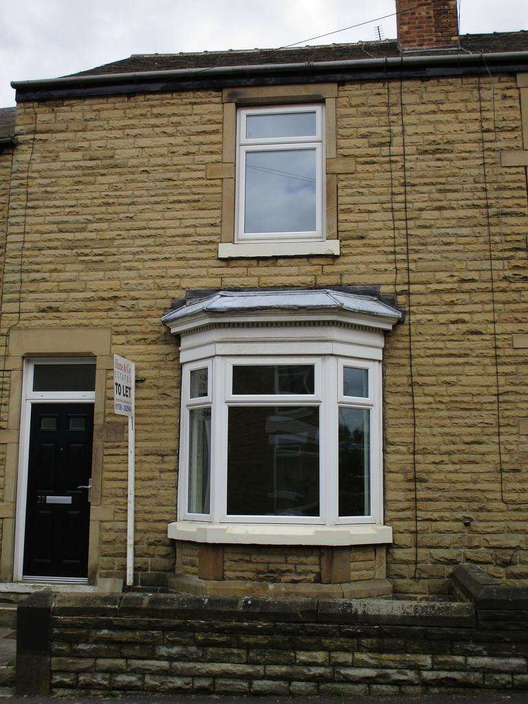 3 Bedrooms Terraced House for rent in Avenue Road, Wath-Upon-Dearne, Rotherham S63