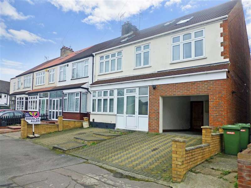 6 Bedrooms End Of Terrace House for sale in Gaynes Hill Road, , Woodford Bridge, Essex