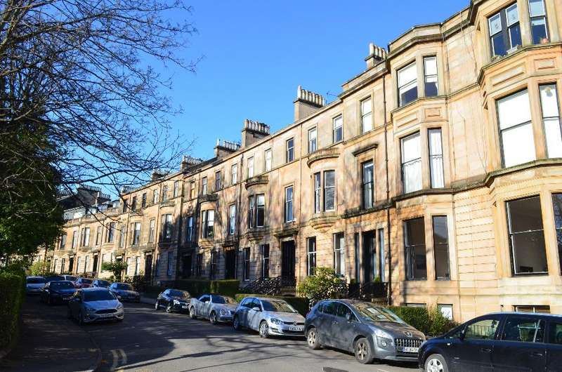2 Bedrooms Flat for sale in Victoria Crescent Road, Ground Floor, Dowanhill, Glasgow, G12 9DB