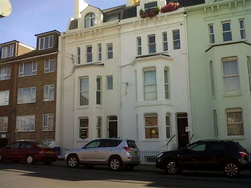 2 Bedrooms Flat for sale in Pelham Place, Seaford, East Sussex