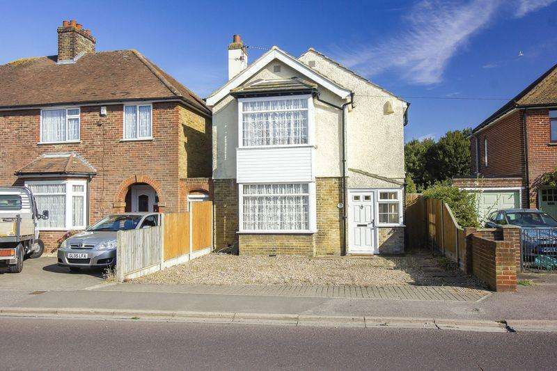 4 Bedrooms Detached House for sale in Dover Road, Sandwich