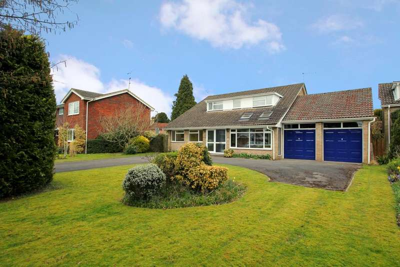 4 Bedrooms Detached House for sale in Cranford Drive, HOLYBOURNE, Hampshire