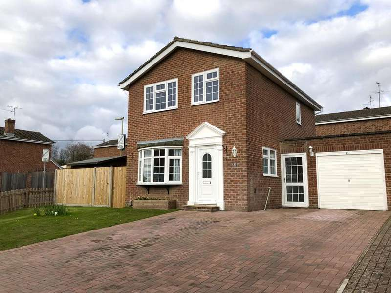 3 Bedrooms Link Detached House for sale in leigh road, andover SP10