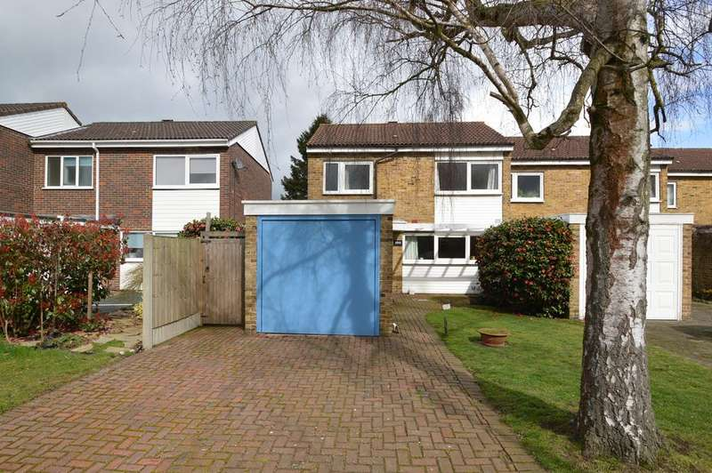 3 Bedrooms End Of Terrace House for sale in Normanhurst Road, WALTON ON THAMES KT12