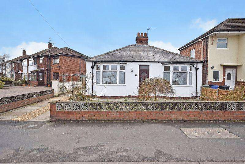 2 Bedrooms Detached Bungalow for sale in Warrington Road, Widnes