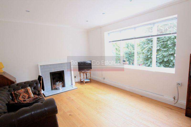 2 Bedrooms Flat for sale in Compayne Gardens, South Hampstead