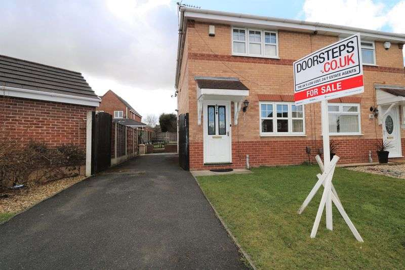 3 Bedrooms Property for sale in Clough House Drive,Leigh
