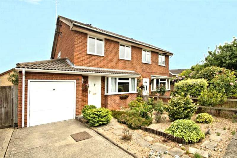 3 Bedrooms Semi Detached House for sale in Knightswood, Goldsworth Park, Woking, Surrey, GU21