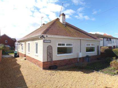 2 Bedrooms Bungalow for sale in Old Foryd Road, Kinmel Bay, Rhyl, Conwy, LL18