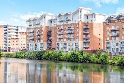 1 Bedroom Flat for sale in Bordeaux House, Penstone Court, Century Wharf, Cardiff Bay