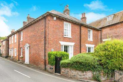 4 Bedrooms Semi Detached House for sale in Wickham, Fareham, Hampshire