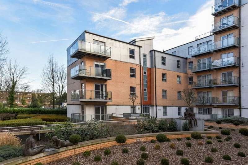 2 Bedrooms Flat for sale in Harrison Court, Queen Mary Avenue, London