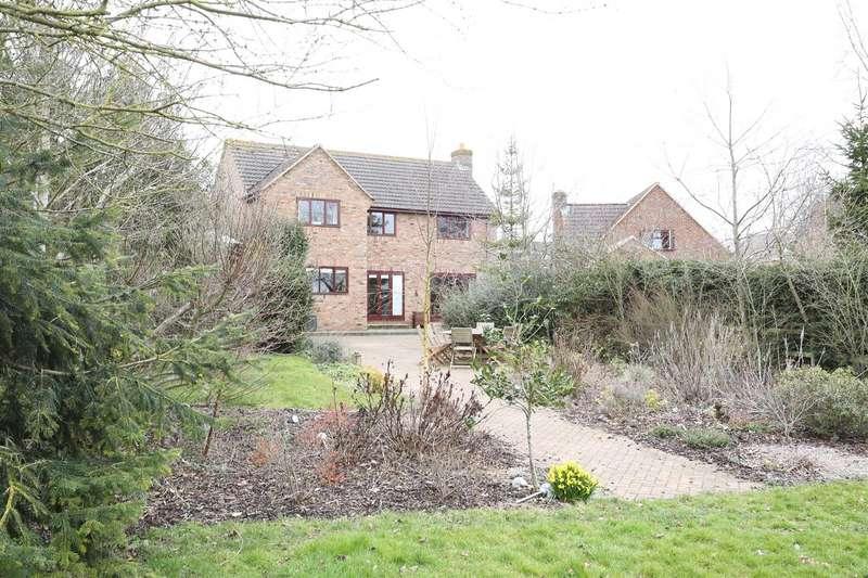 4 Bedrooms Detached House for sale in Kings Lane, Little Harrowden
