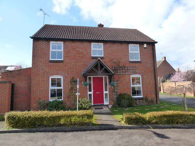 3 Bedrooms Detached House for sale in Trinculo Grove, Heathcote
