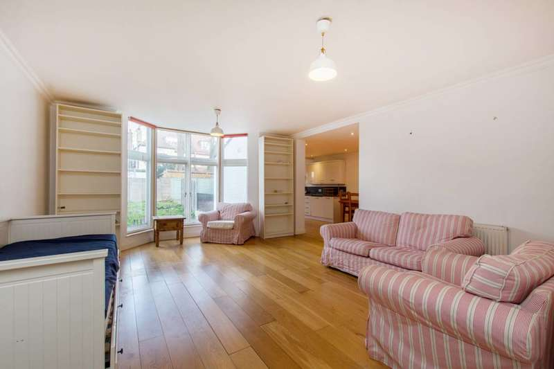 3 Bedrooms Flat for sale in Tooting Bec Gardens, Streatham, SW16