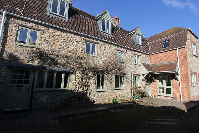 4 Bedrooms Cottage House for sale in High Street, Wincanton, Somerset, BA9 9JT