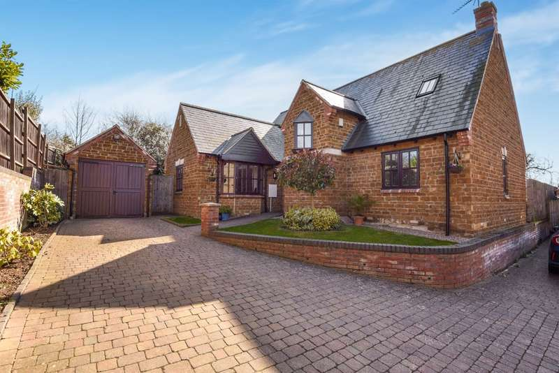 4 Bedrooms Detached House for sale in High Street, Great Billing