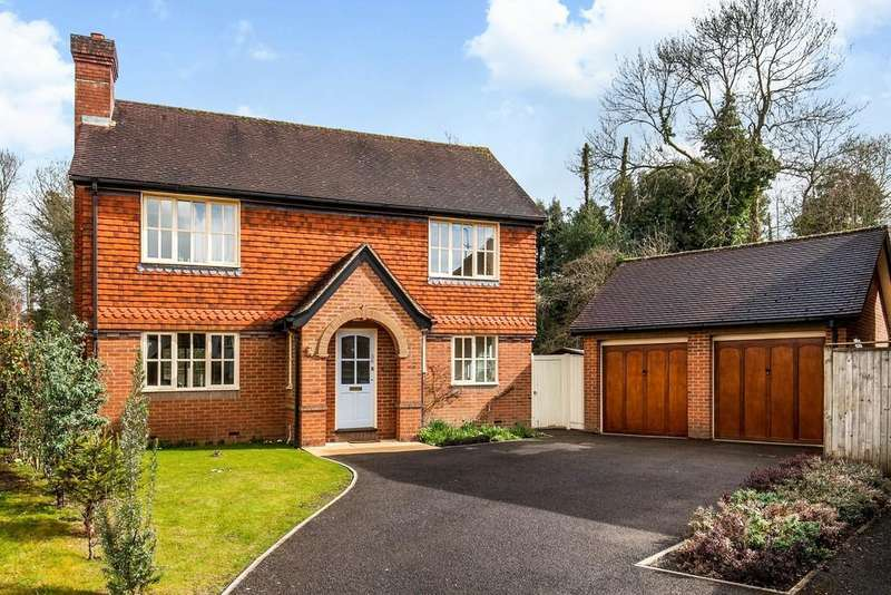 4 Bedrooms Detached House for sale in Wentworth Grange, Winchester, SO22