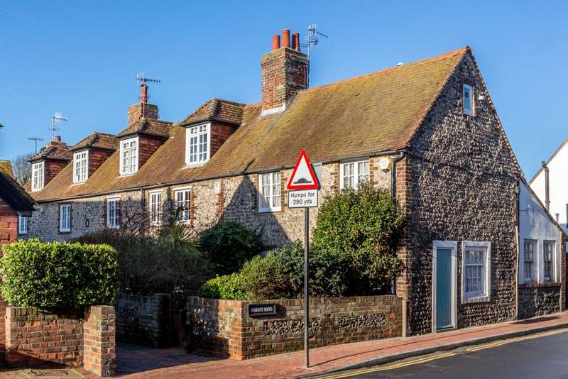 2 Bedrooms Cottage House for sale in Margo's Mews, High Street, Rottingdean, Brighton BN2