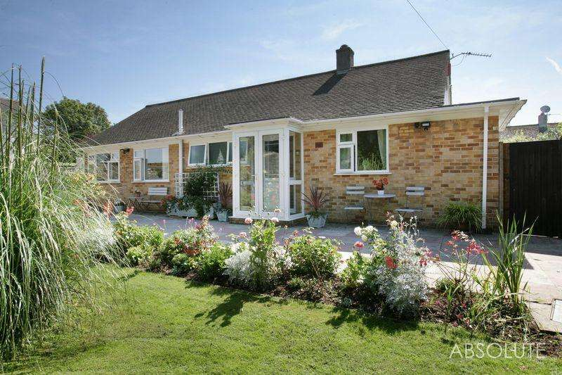 3 Bedrooms Bungalow for sale in Thurlow Road, Torquay