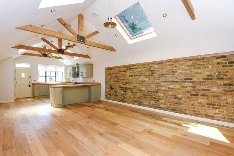 2 Bedrooms Terraced House for sale in Limes Road Beckenham BR3