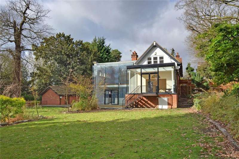 5 Bedrooms Detached House for sale in Court Road, Eltham, London, SE9