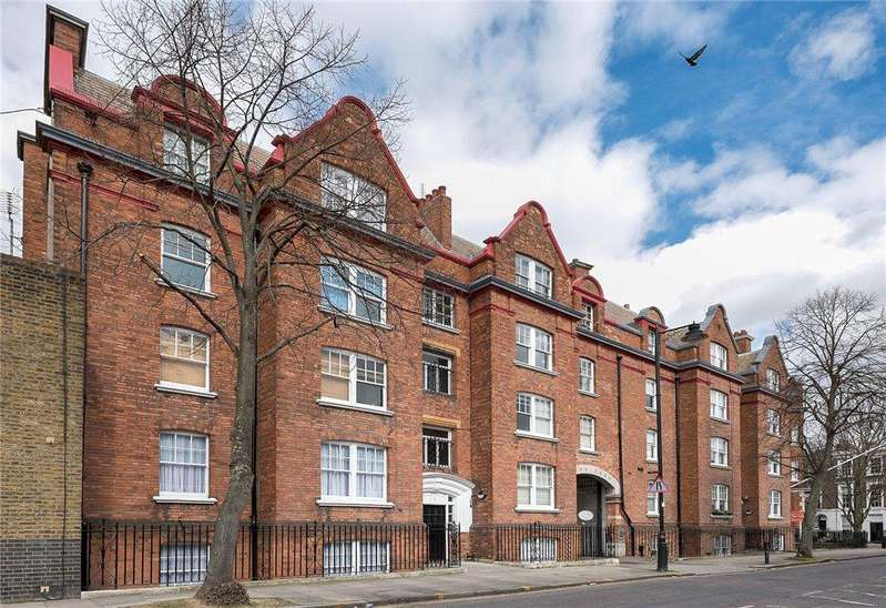 2 Bedrooms Flat for sale in Cloudesley Mansions, Cloudesley Place, London, N1