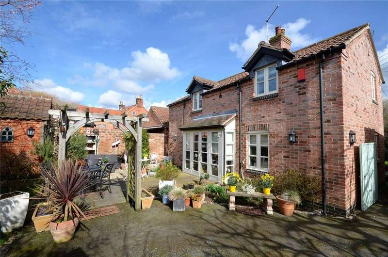 3 Bedrooms Detached House for sale in Church Lane, Redmile, Nottingham