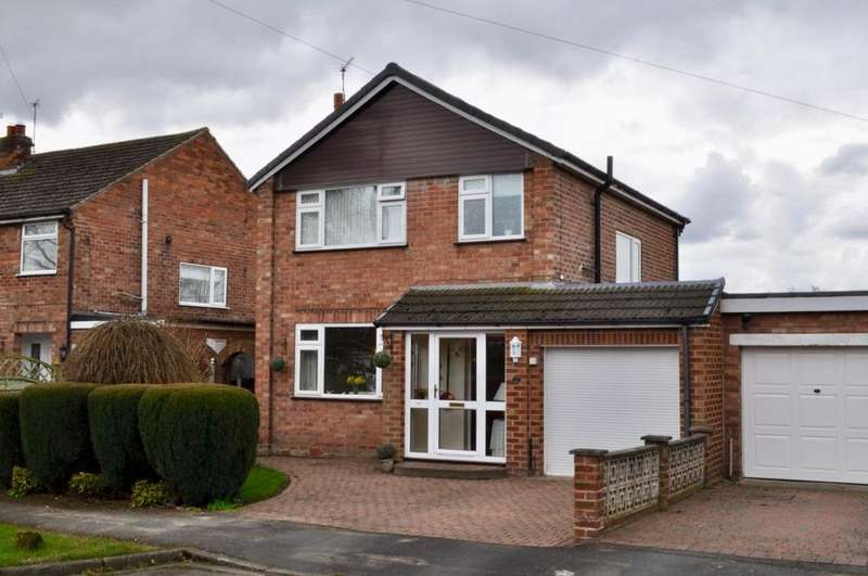 3 Bedrooms Detached House for sale in Greenside Drive, Lostock Green, Northwich, CW9
