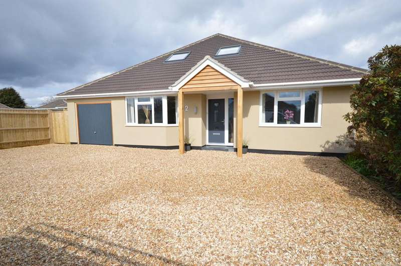 5 Bedrooms Detached Bungalow for sale in Heathy Close, Barton On Sea, New Milton