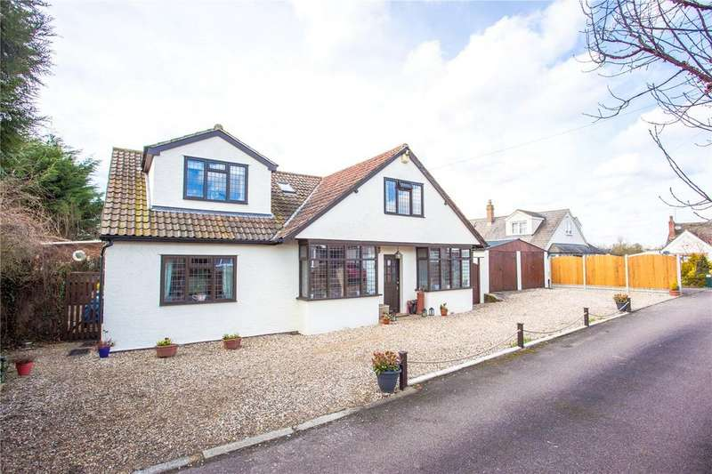 5 Bedrooms Detached House for sale in Willow Place, Hastingwood, Essex, CM17