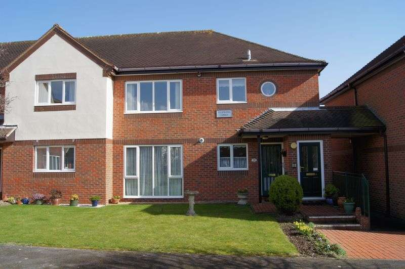 2 Bedrooms Property for sale in Northwood Square, Fareham