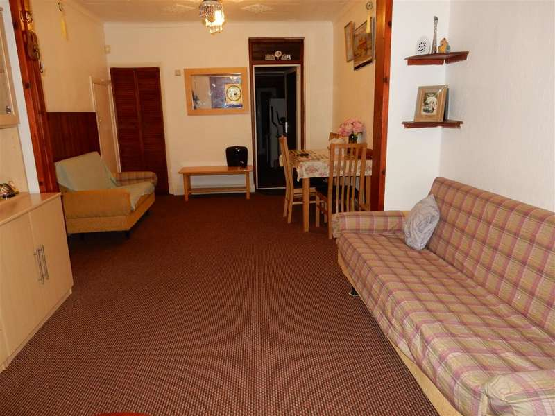 3 Bedrooms Terraced House for sale in Adelaide Road, Southall