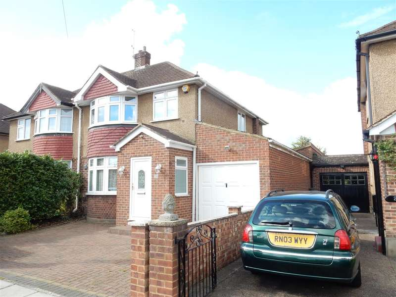 4 Bedrooms Property for sale in Stanwell Gardens, Staines