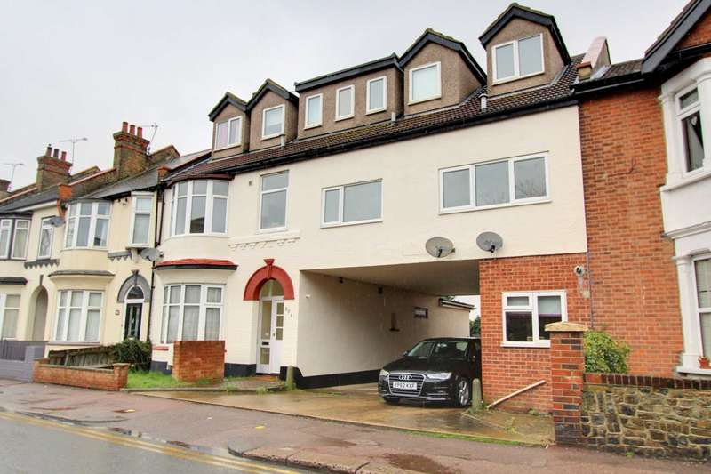 2 Bedrooms Flat for sale in Pall Mall, Leigh On Sea