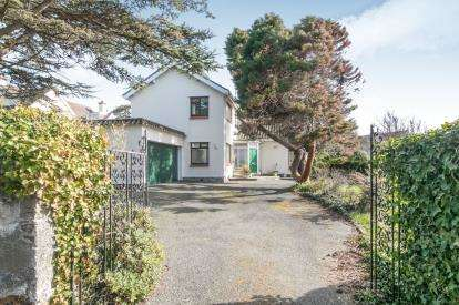 3 Bedrooms Detached House for sale in Gannock Park, Deganwy, Conwy, North Wales, LL31